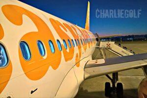 Mettere a rischio l'incolumità dei passeggeri di un intero aereo
